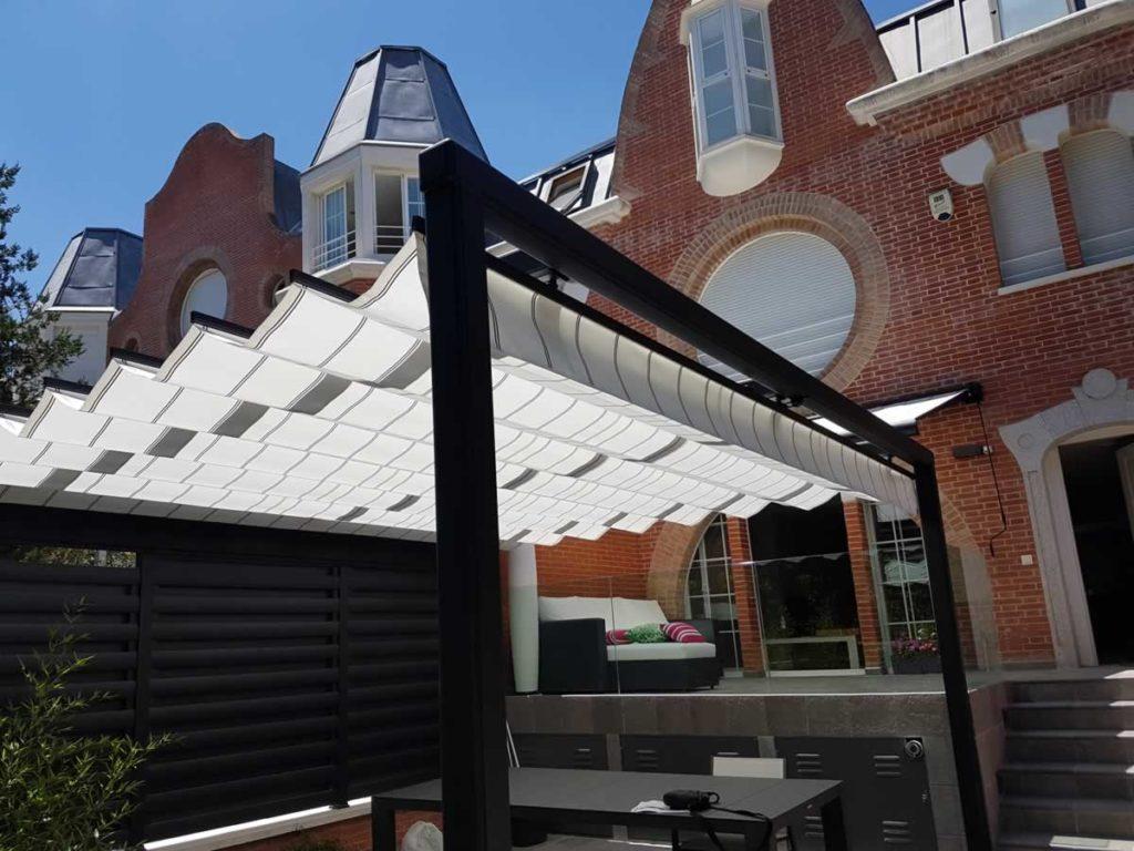 pergola con estructura de aluminio 100x100